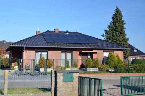 zonnepanelen installatie bij een particulier in neeroeteren 4