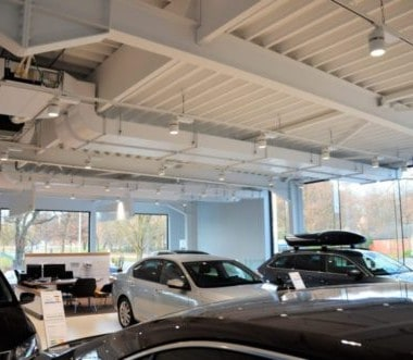 Showroom Skoda garage Willems na relighting door Intellisol