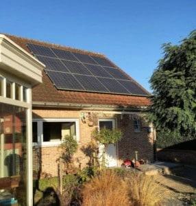 Zonnepanelen en warmtepompboiler geplaatst door Intellisol in Maaseik