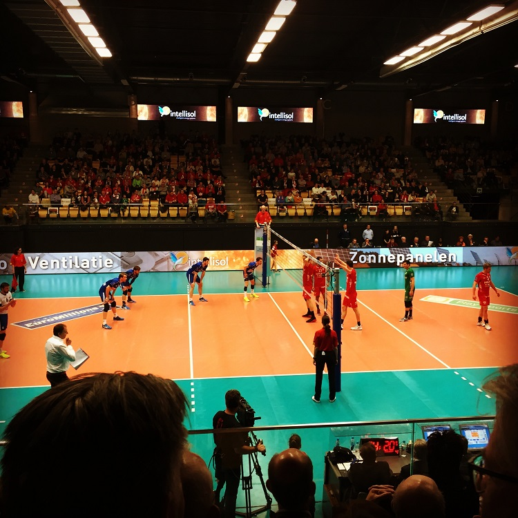 volleybal match maaseik-roeselare